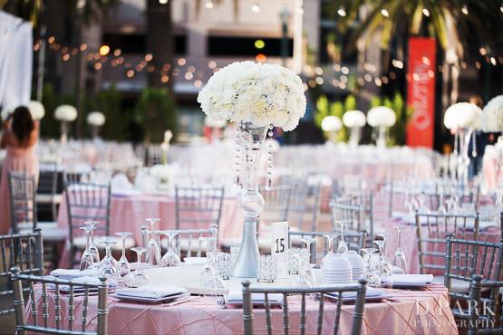 21-elegant-pink-white-wedding-reception-decor-floral-ideas