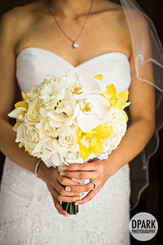 yellow ivory bridal bouquet summer