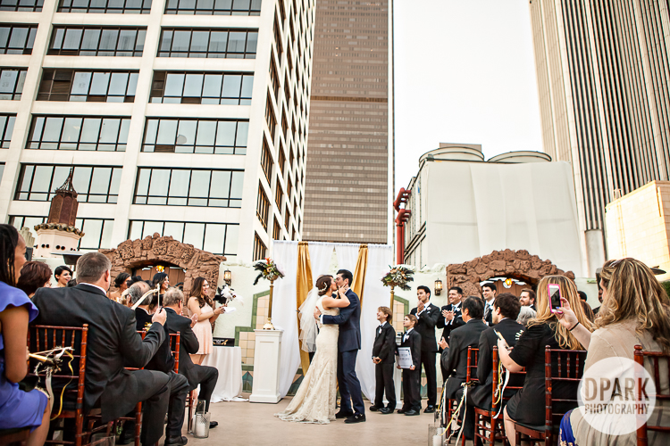 oviatt-penthouse-wedding-ceremony-photographer