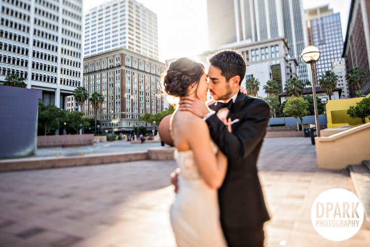 pershing-square-wedding-bride-groom-romantics