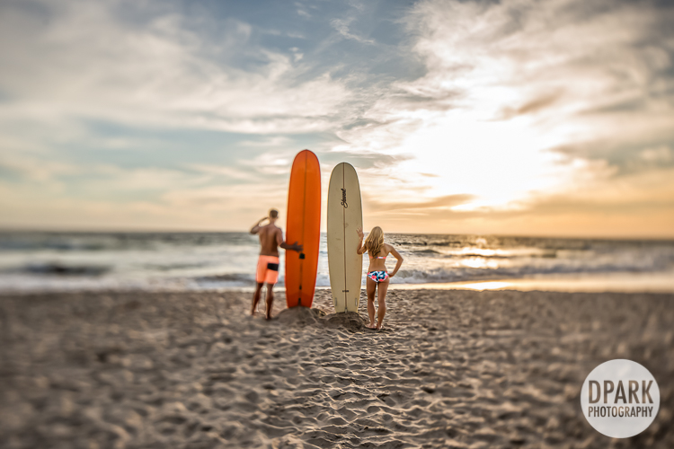 surfing-surfboard-esession-romantic-sunset