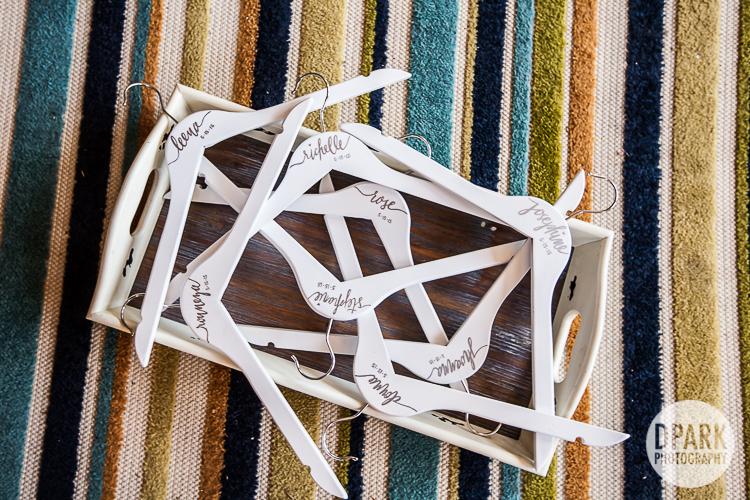 bridesmaid-hangers