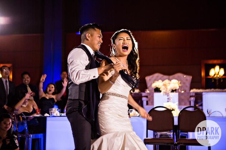 rolling-hills-estate-wedding-reception-game-ideas