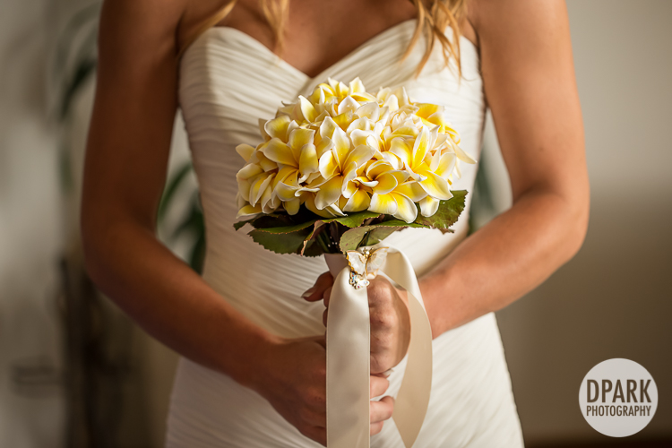 hawaiian-plumeria-bridal-bouquet