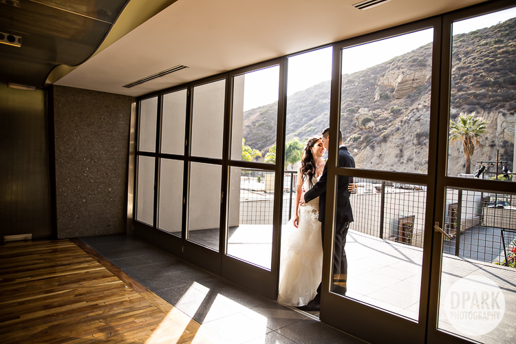 modern-orange-county-wedding-location