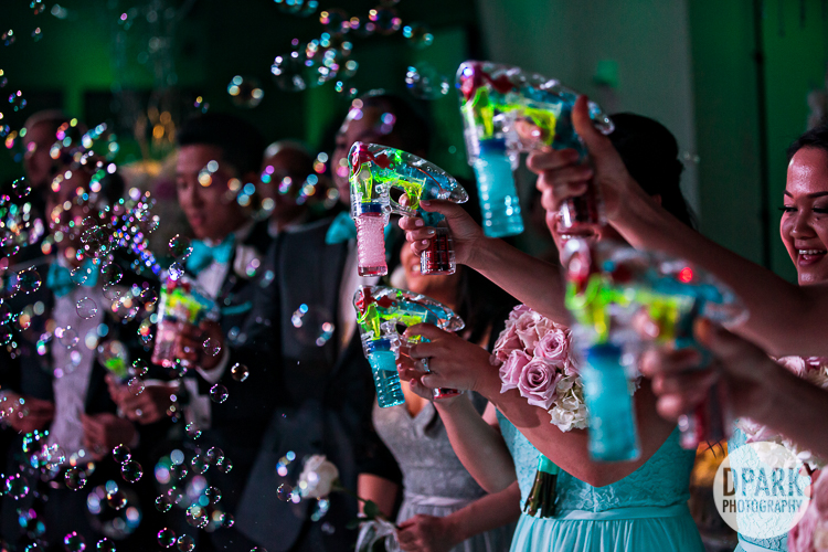 seven-degrees-wedding-photography-bubbles