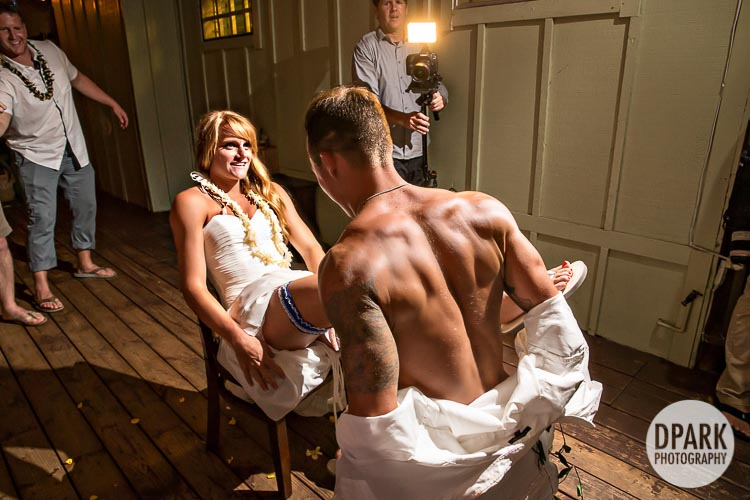 sexiest-best-garter-toss-creative-idea-photo-ever
