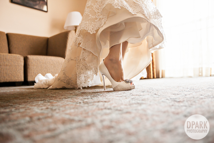 badgley-mischka-bridal-wedding-heels