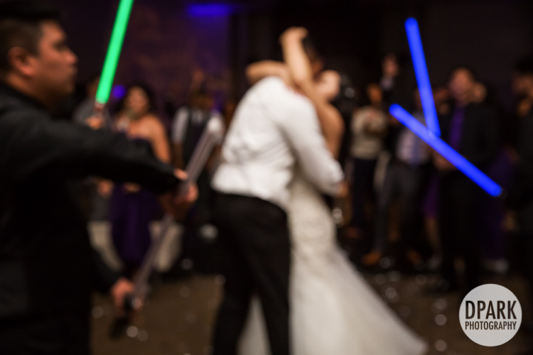 star-wars-wedding-grand-exit-lightsabers