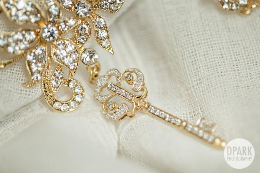 key-inspired-wedding-necklace