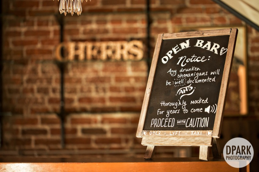 wedding-bar-sign-decor-idea