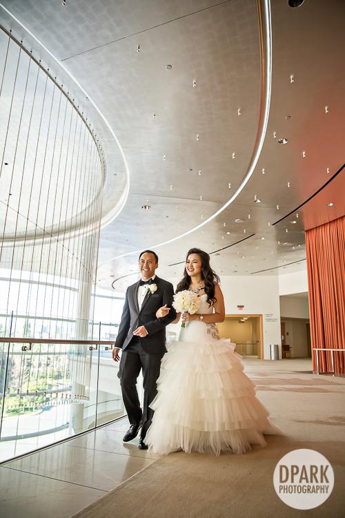 black-white-wedding-bridal-party