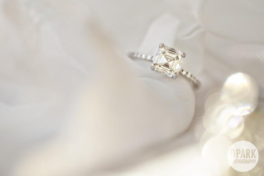 diamond-ring-white-wedding