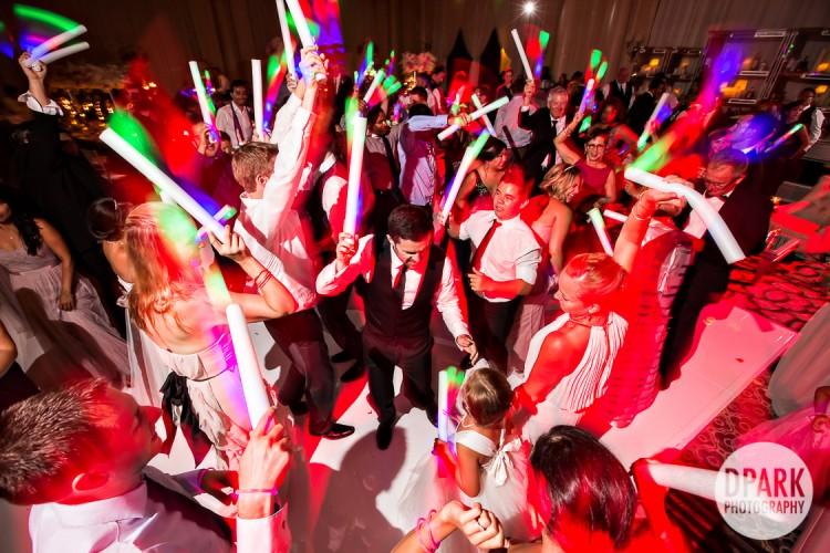 edm-glow-stick-luxury-wedding-reception