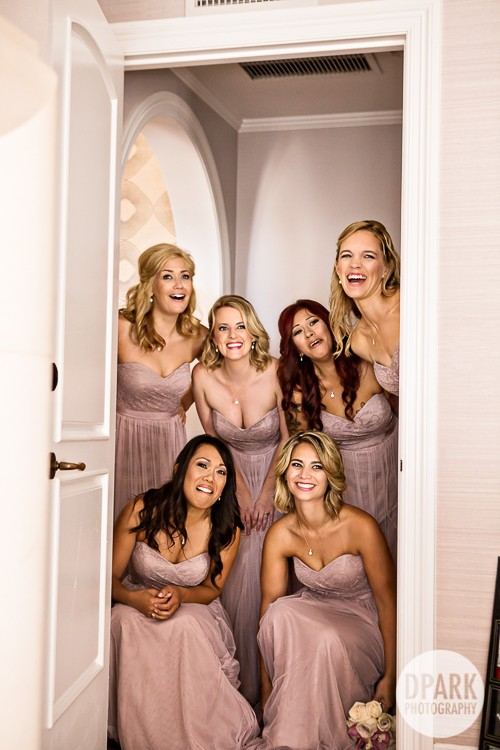 best-bridesmaid-getting-ready-photo-idea-reaction