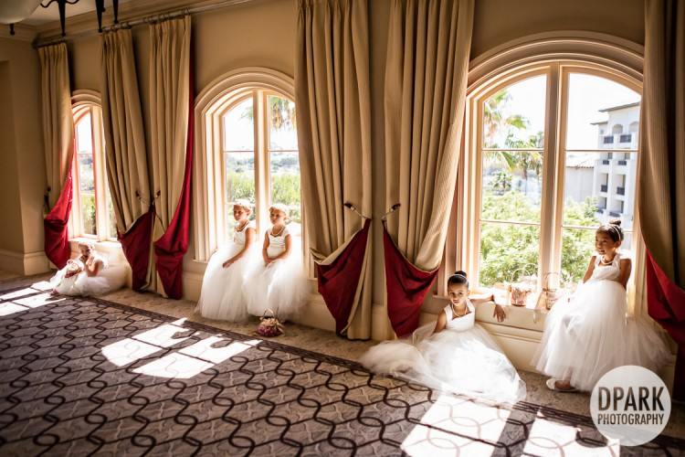 hall-of-mirrors-best-flower-girl-group-photo