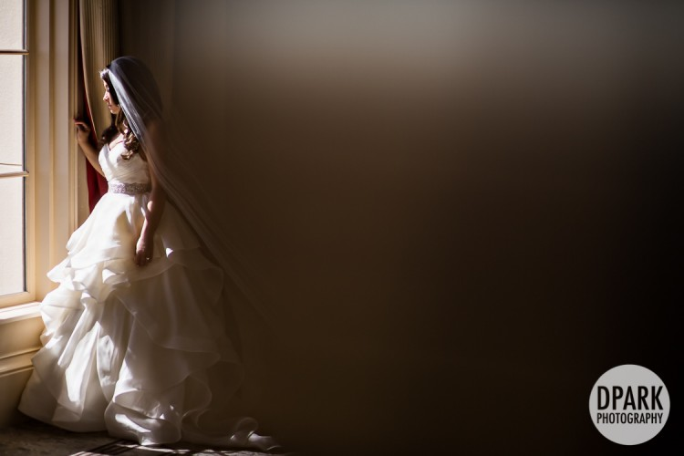 hall-of-mirrors-bridal-portrait