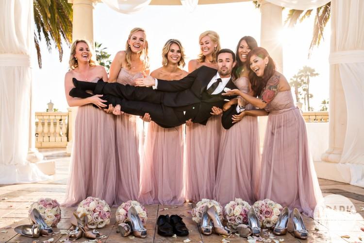 best-groom-bridesmaids-photo