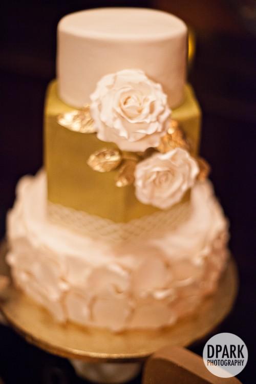 cicada-club-wedding-reception-cake