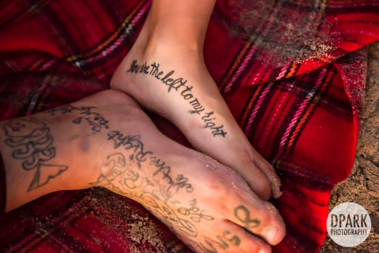 best-romantic-tattoo-bride-groom-engagement-photos