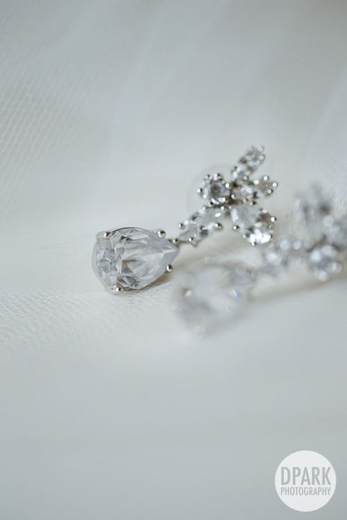 white-wedding-details-jewelry