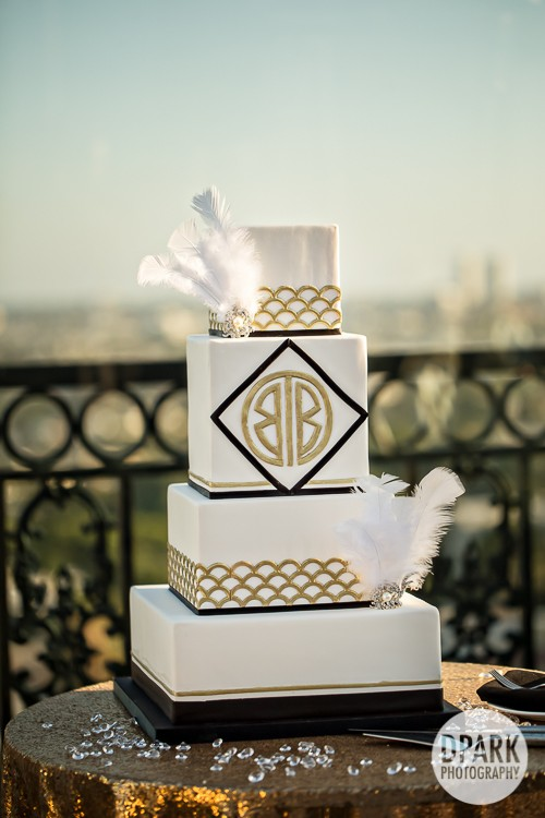 best-gatsby-luxury-wedding-cake-ivory-champagne-black