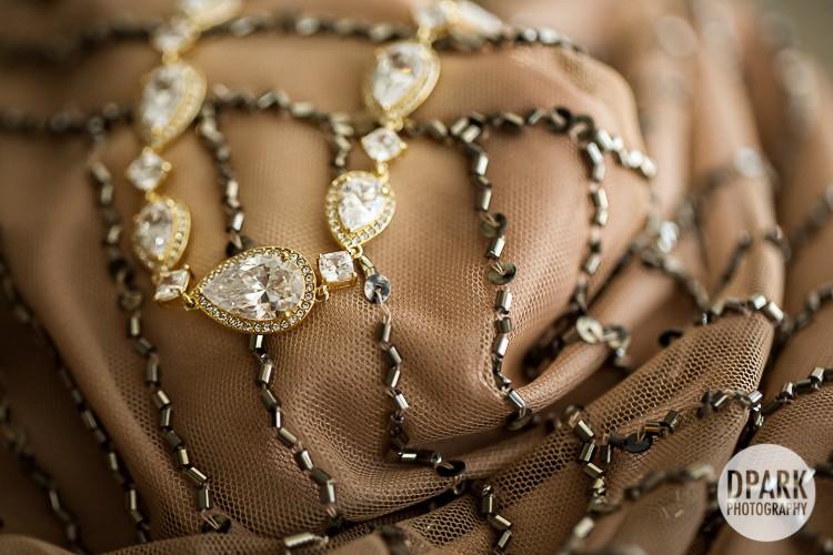 vintage-carnival-modern-stylish-bridal-jewelry-accessories