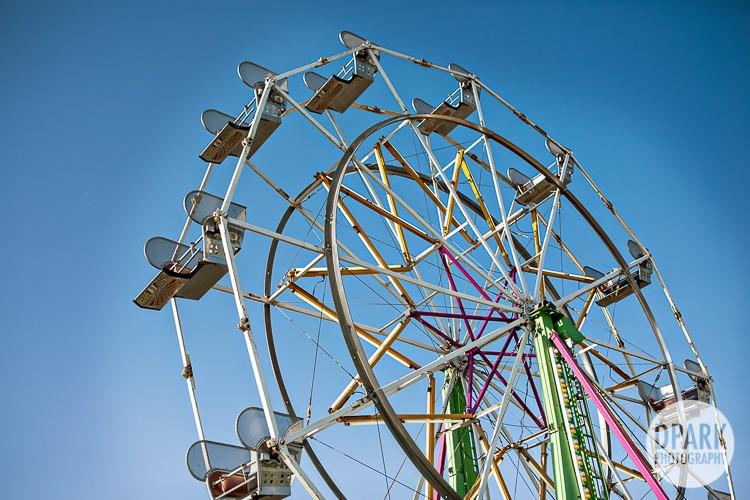 modern-vintage-carnival-wedding-ferris-wheel