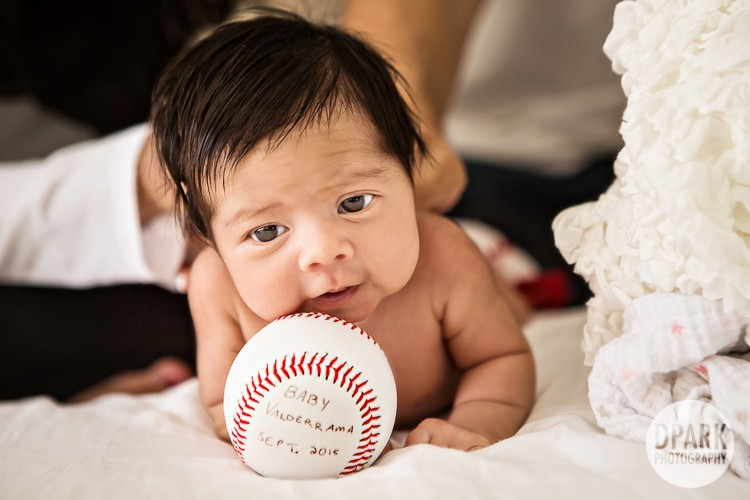 el-segundo-baby-newborn-family-photographer-baseball
