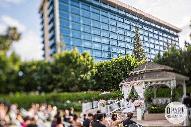 rose-court-garden-disneyland-hotel-wedding-ceremony