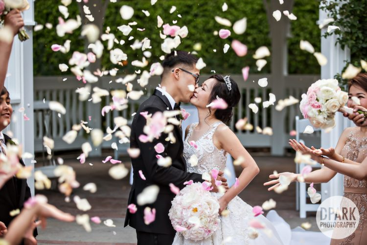 best-cinderella-modern-fairy-tale-flowers-ceremony