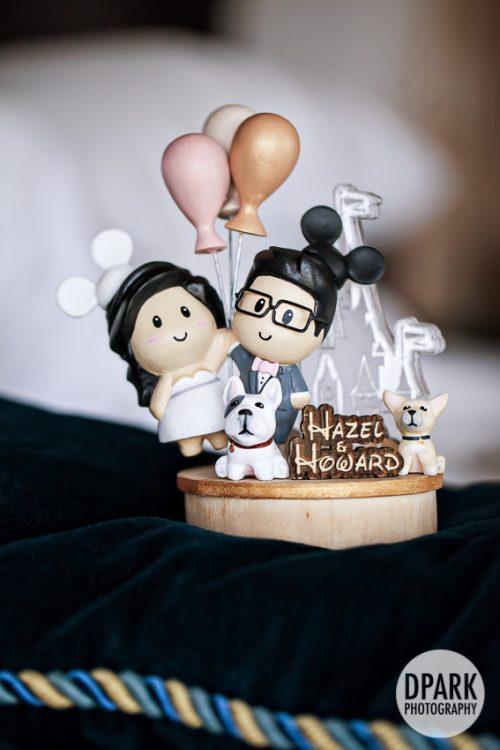 up-inspired-wedding-details-cake-topper