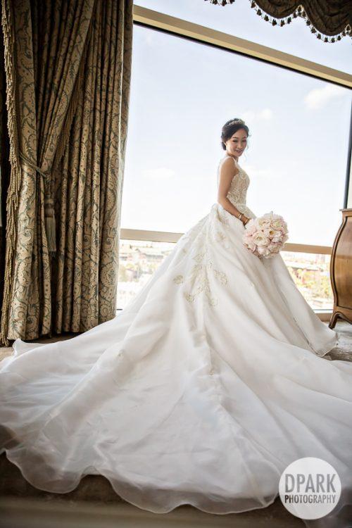 best-modern-princess-wedding-bridal-gown