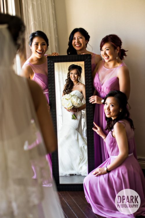 best-bridesmaid-getting-ready-photo