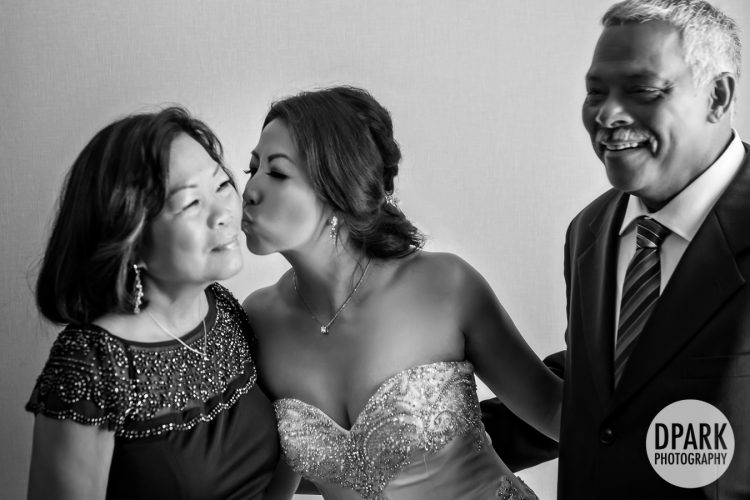 best-mother-father-of-the-bride-getting-ready-photo