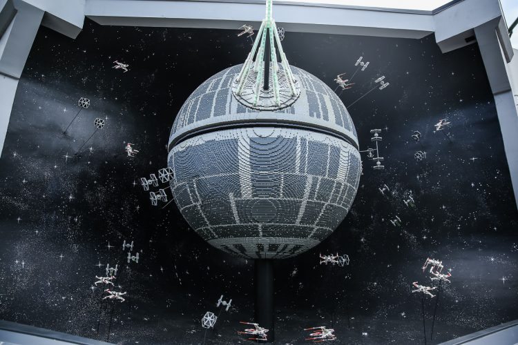 everything-is-awesome-at-legoland-death-star
