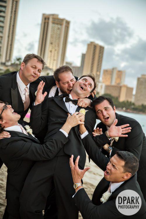 waikiki-beach-wedding-bridesmaid-groomsmen-photographer