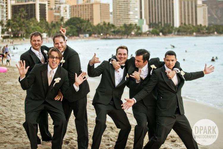 waikiki-beach-wedding-bridesmaid-groomsmen-photos