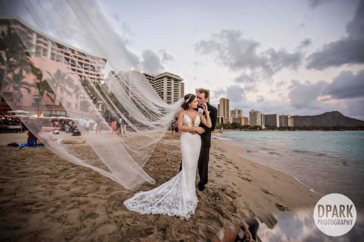 best-luxury-destination-hawaiian-wedding-photo-film