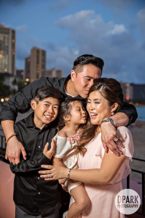 luxury-destination-hawaiian-family-photos