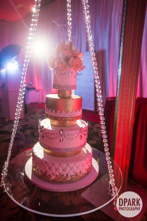 best-creative-glam-gold-ivory-champagne-wedding-cake-photos