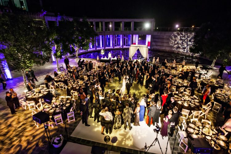 jewish-los-angeles-luxury-wedding-first-dance