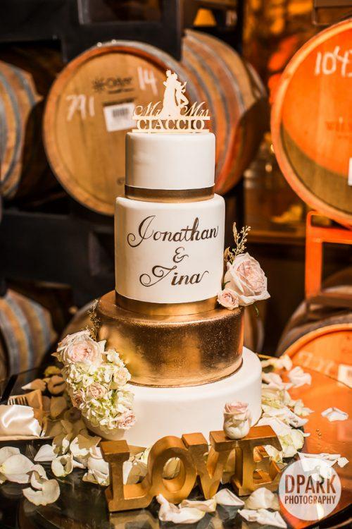 best-white-gold-wedding-cake-modern-winery