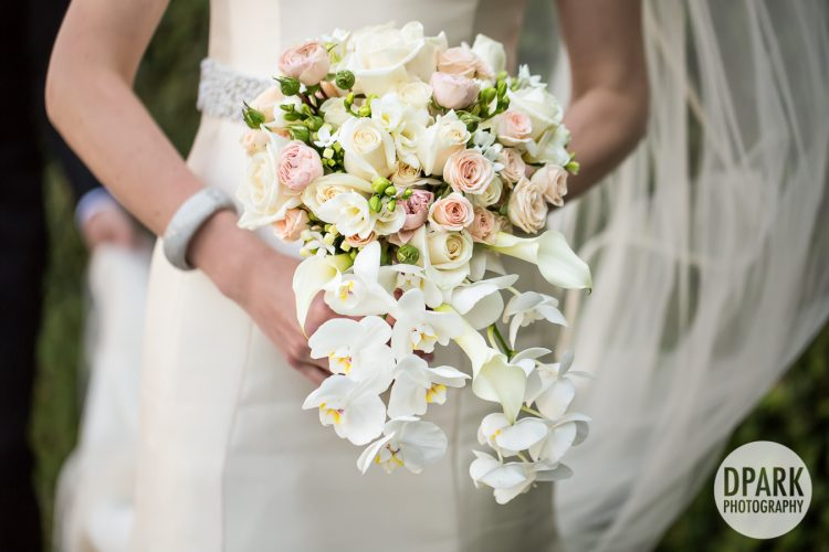 white-cascade-bridal-luxury-bouquet