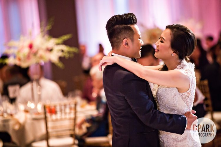 beautiful-pink-wedding-reception