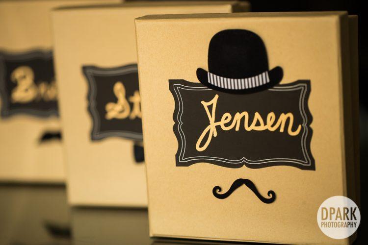 groomsmen-gift-details-mustache
