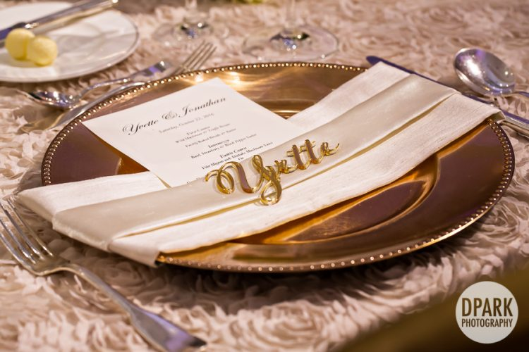 best-gold-luxury-wedding-reception-plating-namecard
