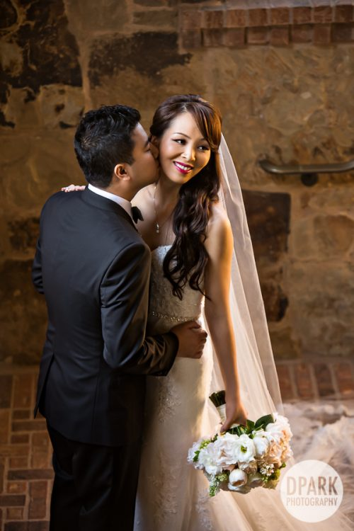 first-look-newport-beach-wedding-romantic-pictures