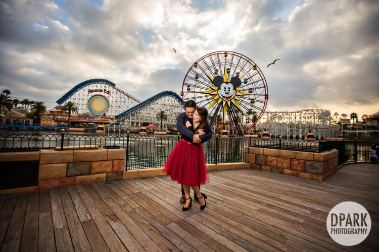 paradise-pier-mickey-engagement