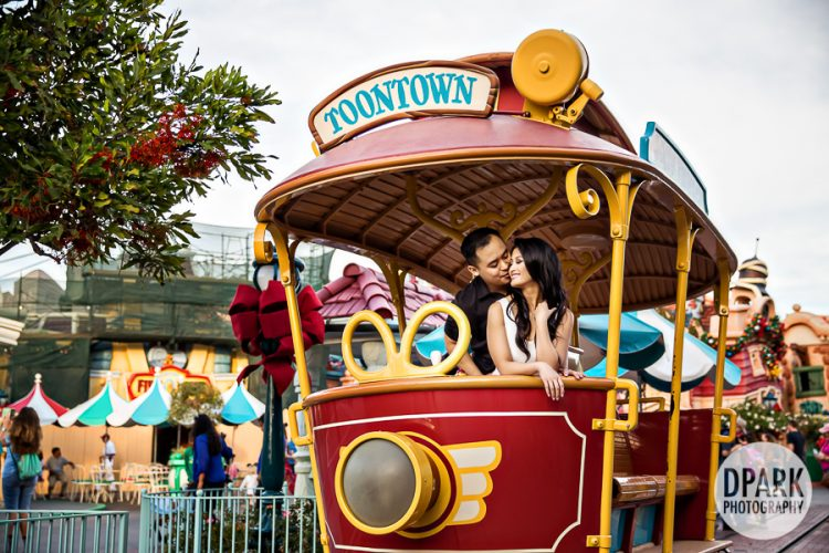 toontown-engagement-trolley-photos